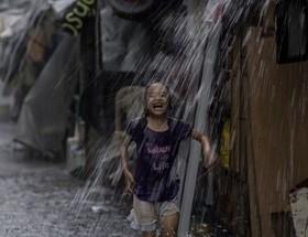 بارش بارانهای موسمی در مانیل، فیلیپین