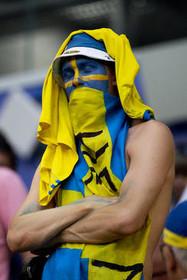 ناراحتی یک طرفدار تیم ملی فوتبال سوئد از حذف کشورش از مسابقات جام جهانی روسیه در بازی این تیم مقابل انگلیس