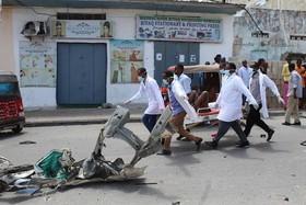 """12 کشته و 17 زخمی در دو انفجار تروریستی از سوی گروه تروریستی"""" الشباب"""" در شهر موگادیشو پایتخت سومالی"""