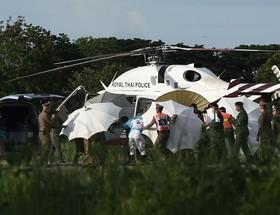 عملیات نجات مربی فوتبال و بازیکنان گرفتار شده در غاری در تایلند.