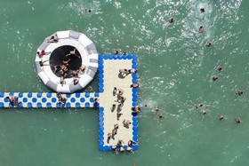ساحل عمومی تازه تاسیس در دریاچه وان ترکیه