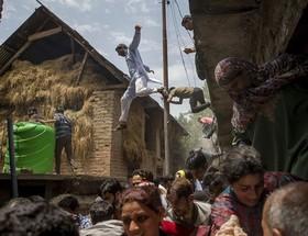 درگیری نیروهای پلیس هند و مردم کشمیر.