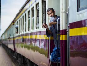 """ایستگاه قطاری در شهر"""" ناخون پاتوم"""" در 35 کیلومتری غرب شهر بانکوک تایلند"""
