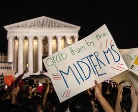 تظاهرات در مقابل ساختمان دیوان عالی آمریکا در اعتراض به انتصاب یک قاضی محافظهکار از سوی ترامپ برای عضویت در دیوان عالی آمریکا
