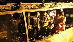۱۳ کشته در تصادف مرگبار نفتکش و اتوبوس در سنندج.