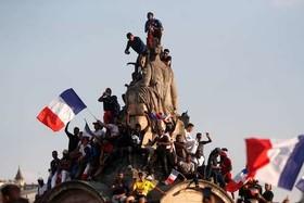 استقبال از تیم ملی فوتبال فرانسه پس از بازگشت به خانه