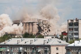 تخریب آسیاب و سیلوی آرد در شهر ایوانوو در روسیه برای فراهم شدن فضای مناسب برای خانه سازی
