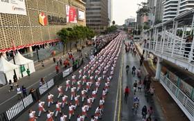 نمایش جمعی گروه زیادی از مردم در پایتخت اندونزی