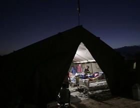 مجروحان زلزله ۷ ریشتری اندونزی در بیمارستان صحرایی