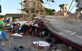 جستجوی برای یافتن بازماندگان در زلزله اندونزی