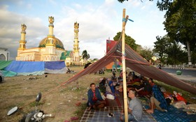 زندگی زیر چادر پس از زلزله اندونزی