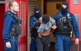 عملیات پلیس انگلیس برای دستگیری یک گروه تبهکار