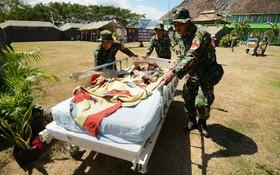کمک به زلزدگان در اندونزی