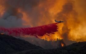 مبارزه با آتش سوزی در کالیفرنیای آمریکا