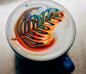 نقاشی های حیرت آور روی قهوه + تصاویر