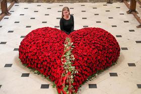 جشنواره سالانه گل در کلیسای جامع شهر وینچستر بریتانیا