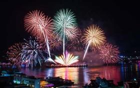 """جشنواره سالانه آتشبازی در شهر """"یئوسو"""" در جنوب کره کره جنوبی"""