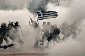 اعتراضات در شهر تسالونیکی یونان به توافق دولت یونان با مقدونیه بر سر نام کشور مقدونیه. یونانیان ملیگرا نام مقدونیه را متعلق به یونان میدانند