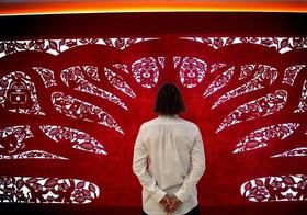 اثر هنری با تکنیک برش کاغذی چینی در موزه لندن