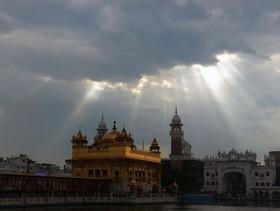 معبد طلایی در آمریتسار