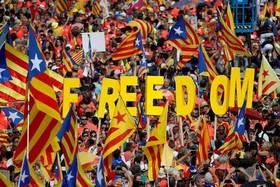 برگزاری راهپیمایی 1 میلیون نفری طرفداران استقلال منطقه کاتالونیا در شهر بارسلونا اسپانیا