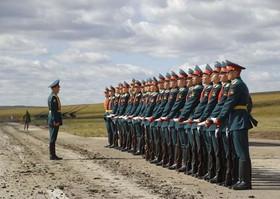 آماده شدن برای رژه نظامی در شرق سیبری