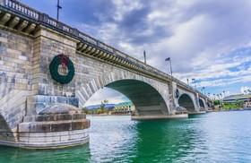چطور پل لندن به امریکا فروخته شد؟