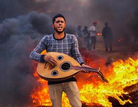"""تظاهرات """"بازگشت"""" جوانان فلسطینی در مرز غزه و اسراییل"""