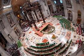 پاپ فرانسیس در اختتامیه آیینی مذهبی در کلیسای جامع واتیکان