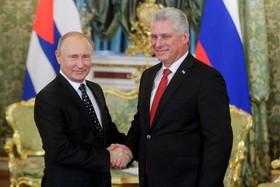 دیدار رییس جمهوری کوبا با پوتین در کاخ کرملین در مسکو