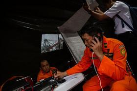ادامه عملیات جستجو برای یافتن بقایای اجساد قربانیان هواپیمای مسافربری اندونزی