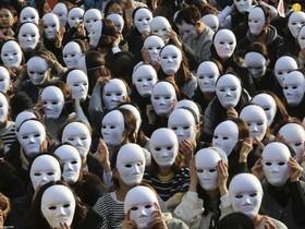 (تصاویر)تظاهرات اتحادیه کارگری در سئول ، مجسمه یادبوذ جنگ جهانی دوم در کیف، اوکراین، کاروان مهاجران آمریکای مرکزی در راه عزیمت به مرز ایالات متحده آمریکا در مکزیک و ... در عکسهای خبری روز