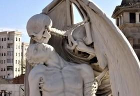 عجیب ترین قبرهای جهان که باعث وحشت می شوند+عکس