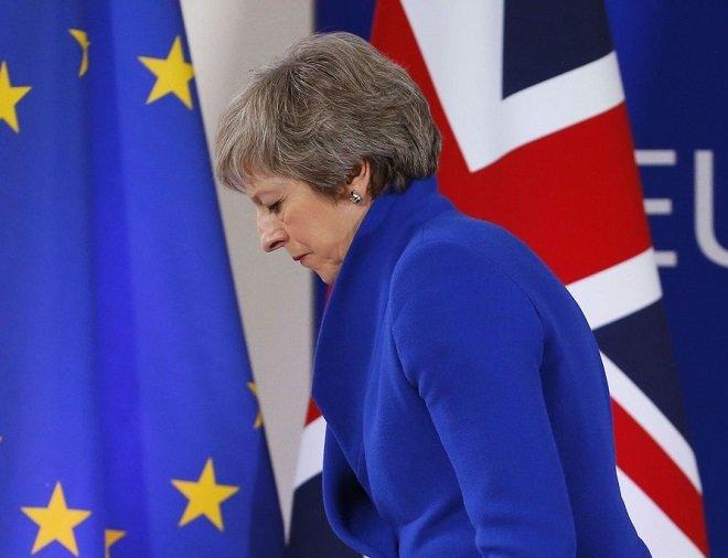ترزا می، نخست وزیر انگلستان در کنفرانس مطبوعاتی در پایان شورای اروپا در بروکسل، بلژیک