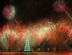 نورپردازی بزرگترین درخت کریسمس در ریودوژانیرو، برزیل