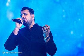 کنسرت احسان خواجه امیری خواننده پاپ کشورمان طی دو سانس در سالن میلاد نمایشگاه بین المللی تهران برگزار شد