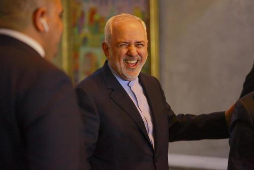 اقدام ضد منافع ملی ظریف از چشم کیهان