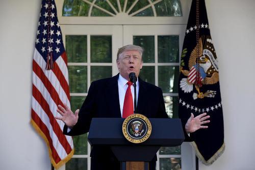 """شست خبری بعد از ظهر جمعه ترامپ در محوطه """"رز گاردن"""" کاخ سفید و اعلام عقبنشینی موقت و 3 هفتهای او برای بازگشایی دولت فدرال آمریکا"""