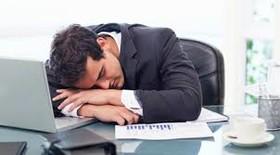 چرا پس از غذا خواب آلود می شوید؟