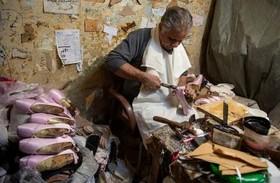 """کارگاه تولید کفش دست دوز """"باله"""" در مصر"""