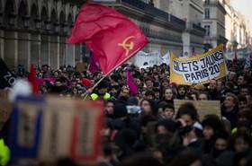 استفاده پلیس فرانسه از گاز اشکآور برای متفرق کردن تظاهرات ضد دولتی دیروز – سهشنبه- در مرکز شهر پاریس