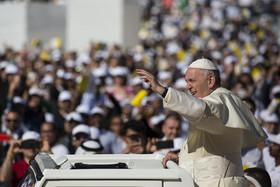 """حضور پاپ فرانسیس در استادیوم """"زاید"""" شهر ابوظبی امارات"""