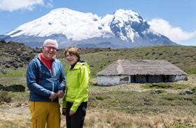رییس جمهوری و بانوی اول آلمان در حال بازدید از یک پارک ملی در کشور اکوادور