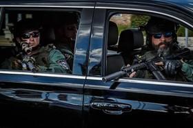 """تیم امنیتی محافظ دونالد ترامپ در سفر او به باشگاه گلفش در منطقه """"پالم بیچ"""" ایالات فلوریدا آمریکا"""