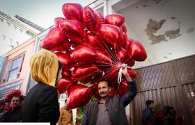 """حال و هوای روز """"ولنتاین"""" در خیابان های شهر کابل افغانستان"""