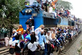 ازدحام قطارهای بنگلادش