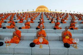 جشنوارهای آیینی در معبدی در تایلند