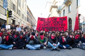تظاهرات دانشجویان در شهر میلان ایتالیا در اعتراض به سیاستهای آموزشی و مهاجرتی دولت ایتالیا