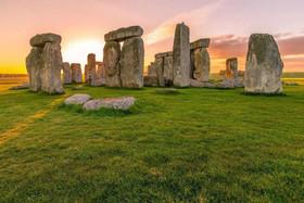 10 بنای تاریخی مرموز با اثر موجودات فرازمینی در آن