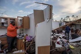 """ویرانی خانهها در اثر گردباد در ایالت """"آلاباما"""" آمریکا"""